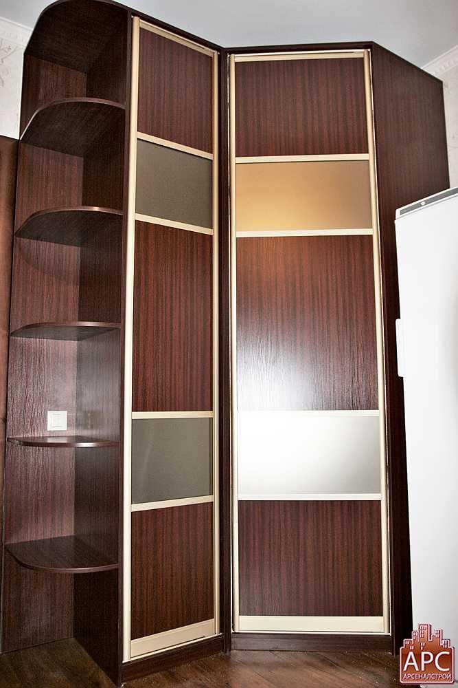 угловой шкаф в спальню фото