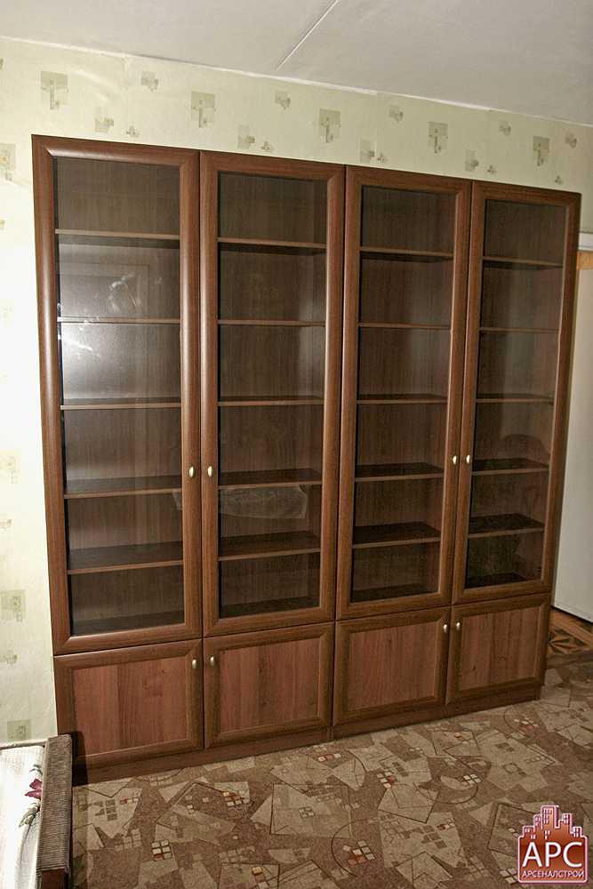 книжный шкаф стеклянный