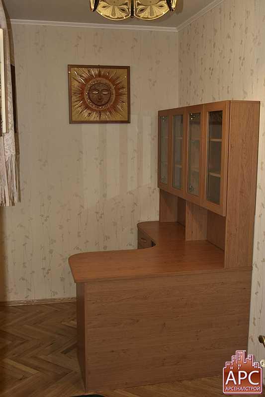столы компьютерные фото большие