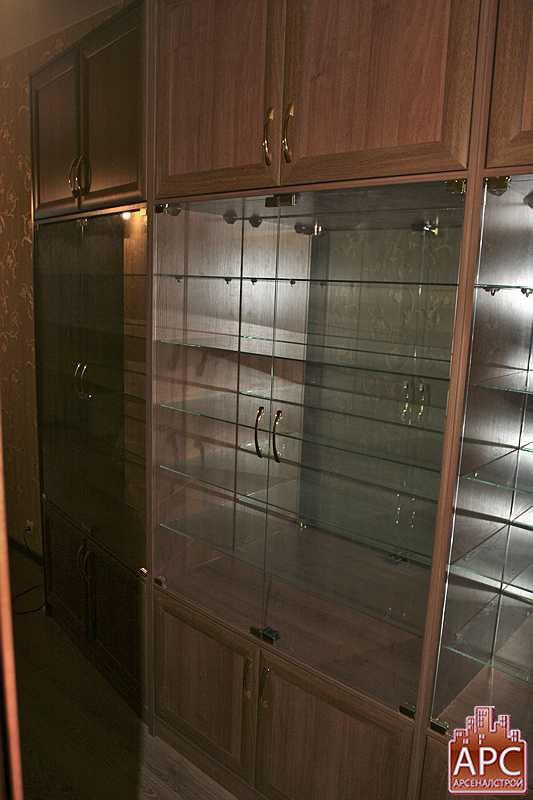 угловой шкаф сервант