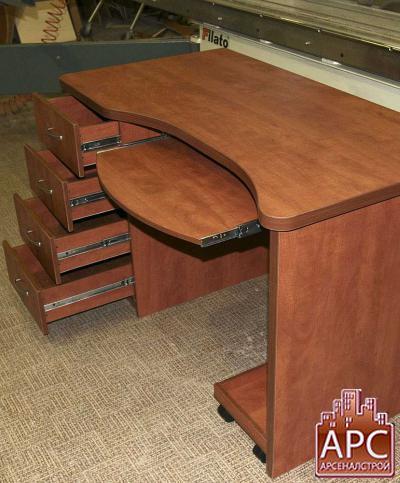 стол компьютерный малогабаритный