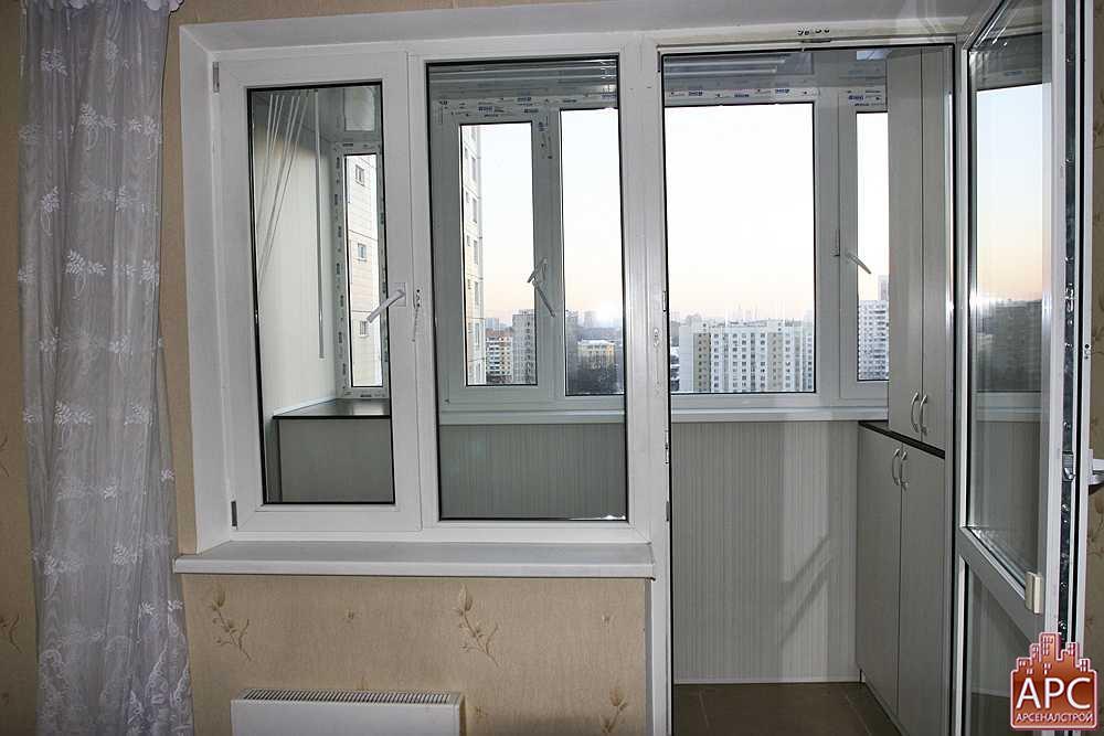 Фото внутренней отделки балкона серии п 44.